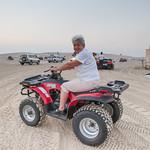 Babicka Jarosovi v Kataru ctyrkolka v pousti