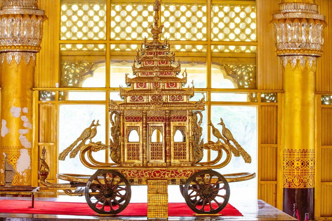 Myanmar zlatý vůz Bago